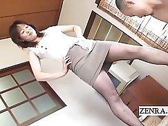Bosomy Japanese MILF gets her pussy vacuum fed off
