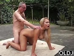 cronys step daughter caught sofy xxx ‿Gore‿s grandfather