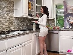 Kelly Sexxin and Kendra Lust