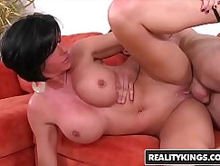 Wetly norn hairyarms MILF for some hard anal fuck