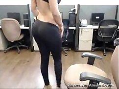 Juicy Babe Strip Tease on WebCam
