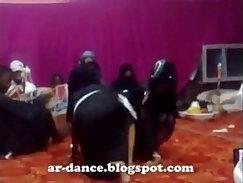 Arab amateur dancing before sucking dick