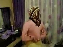 Arab Masturbates At Her Local Hotel