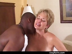 Amateur Interracial Cuckold MILF Facesit