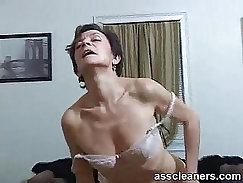 Aroused MILF gets her big ass licked from behind