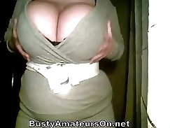 Amateur all natural busty babe gets fucked