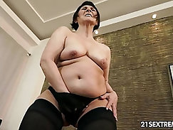 Old and young HD XXX videos focusing on intergenerational lust