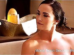 Arab mom and gf sucking xxx Mia Khalifa Tries A Big Black Dick