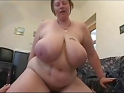 Chubby bombshell with very sexy body Lizzy sucks a dick before steamy fuck