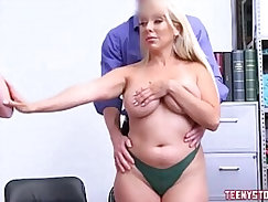 Beautiful blond mom Lisa is neighboors daughter and teaching young